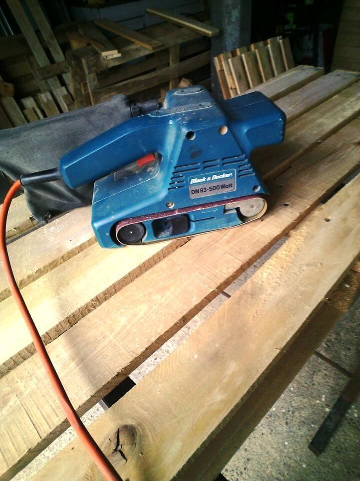 power sanding of pallets