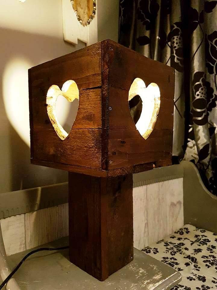 upcycled pallet lamp
