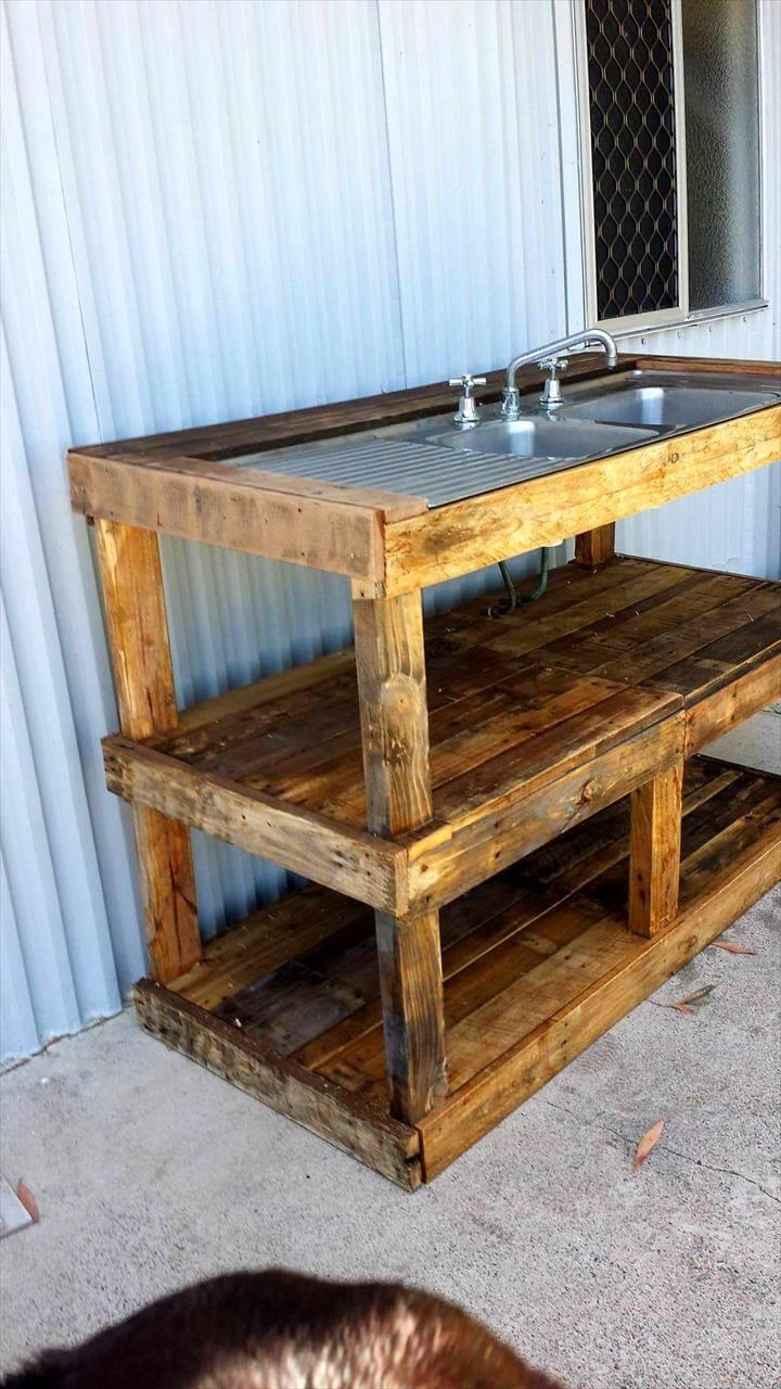 DIY pallet outdoor fish filleting station