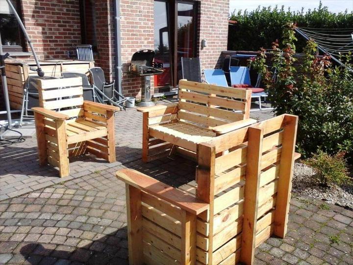 hand-built pallet patio sitting set