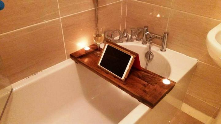 easy-to-build pallet bathtub tray