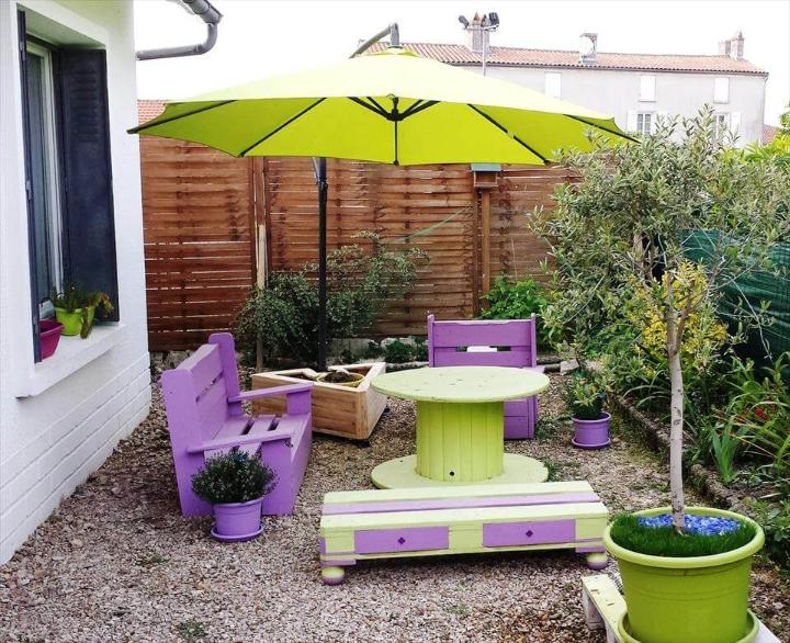lovely pallet outdoor seating