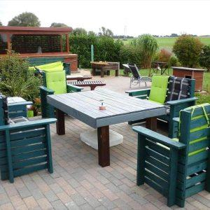 repurposed wooden pallet outdoor sitting set