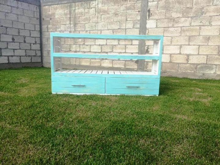 shabby chic pallet sideboard