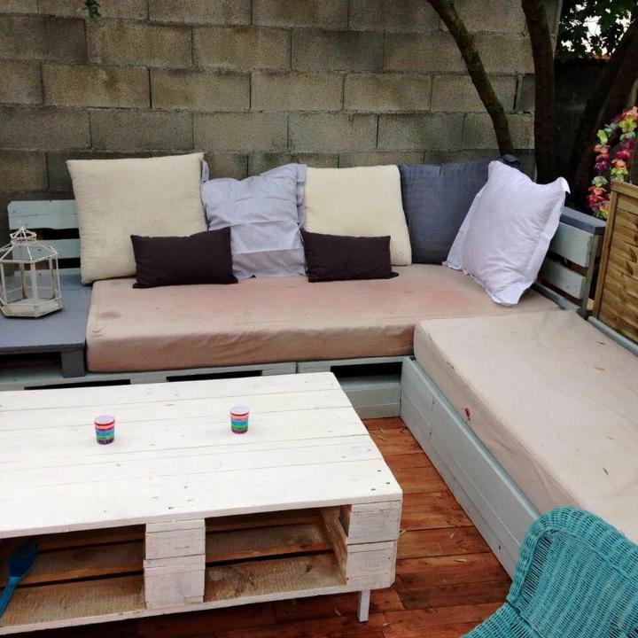 repurposed wooden pallet terrace and sofa