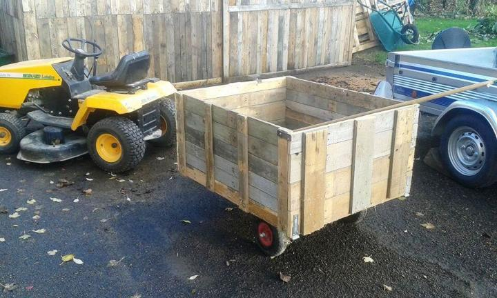 solid wooden pallet garden trash can