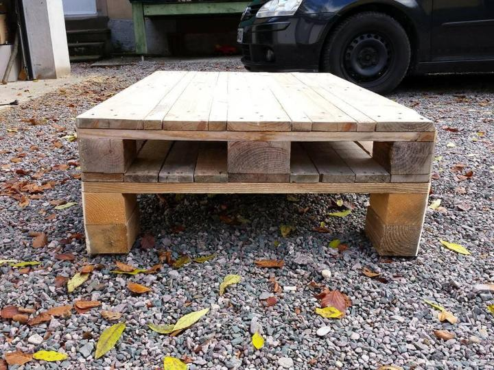 Stacked pallet low coffee table