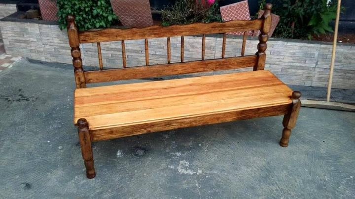 vintage bed into pallet bench