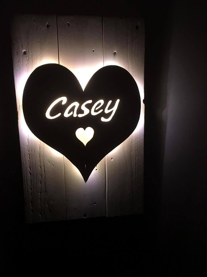 reclaimed pallet lighted heart love wall sign