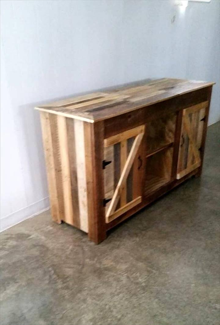 upcycled pallet entertainment center