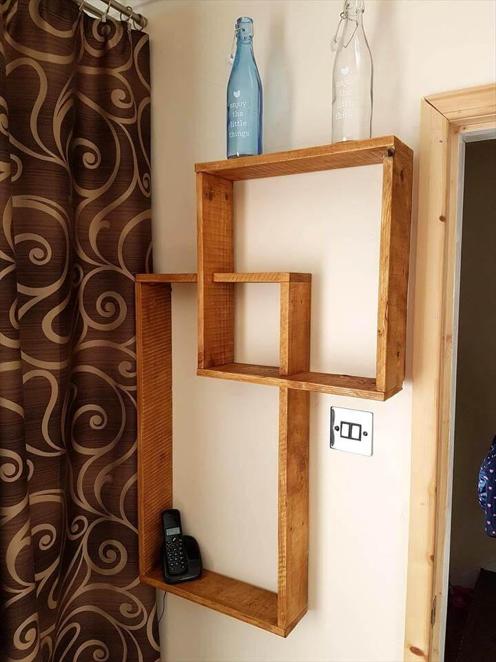 Pallet intermingling geometrical wall display shelves