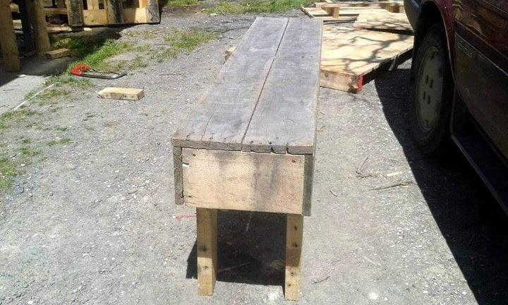 reclaimed rustic pallet bench