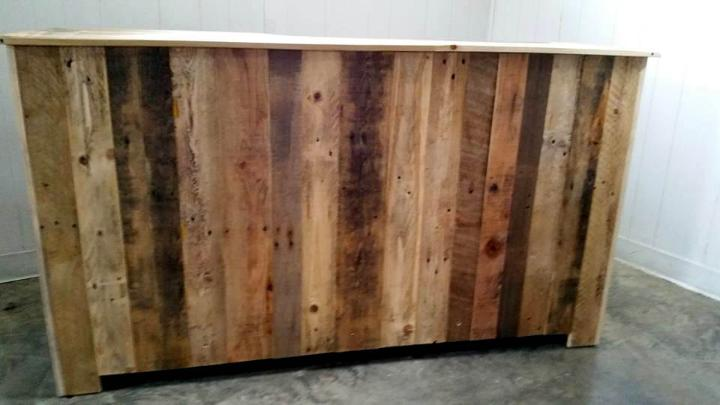 DIY Wooden Pallet Entertainment Center