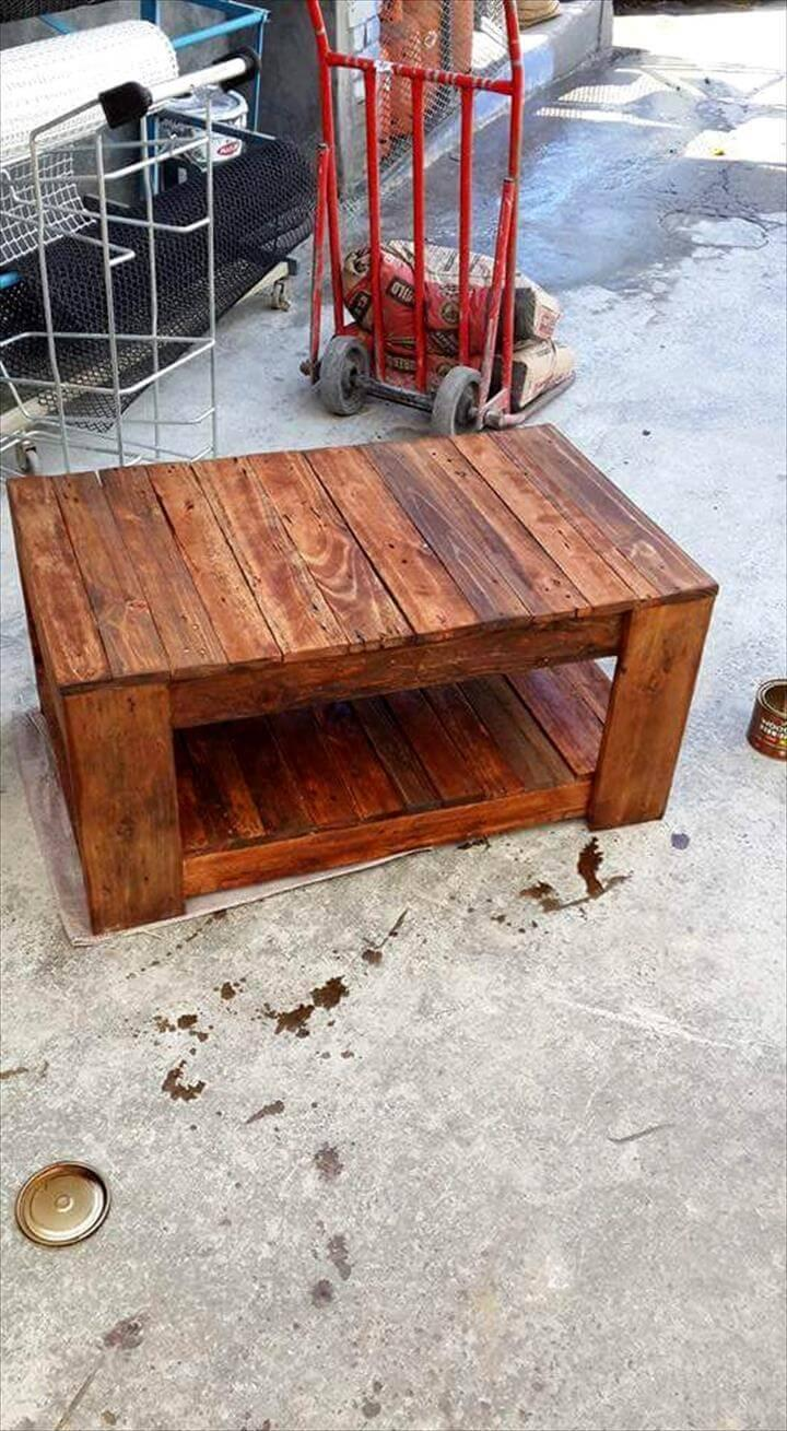 repurposed wooden pallet coffee table with inside storage space