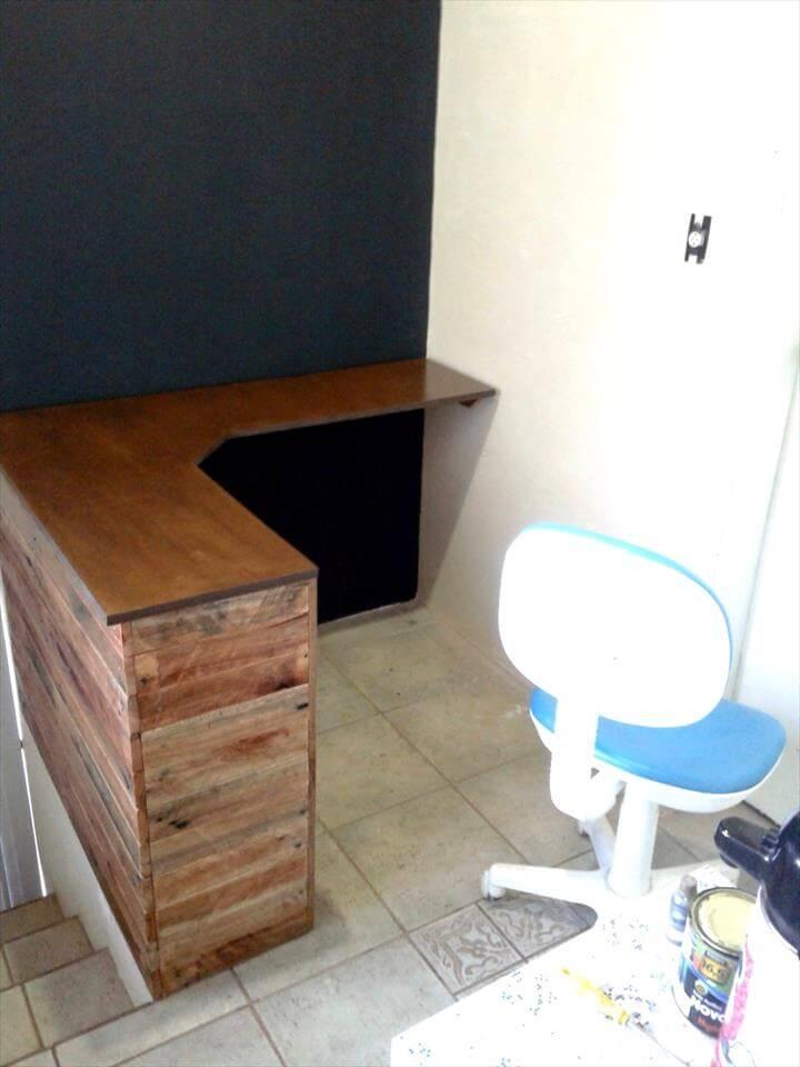 sturdy wooden pallet corner desk