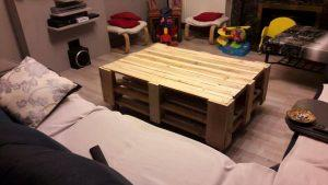 DIY Pallet Coffee Table On Wheels