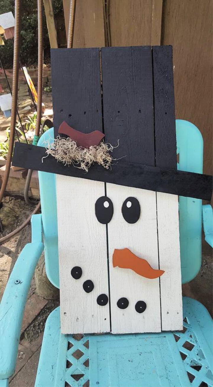 DIY Pallet Primitive Snowman