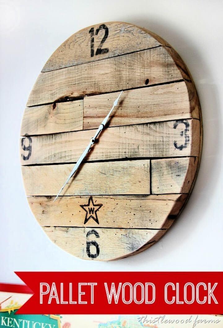 DIY Recycled Pallet Wood Clock