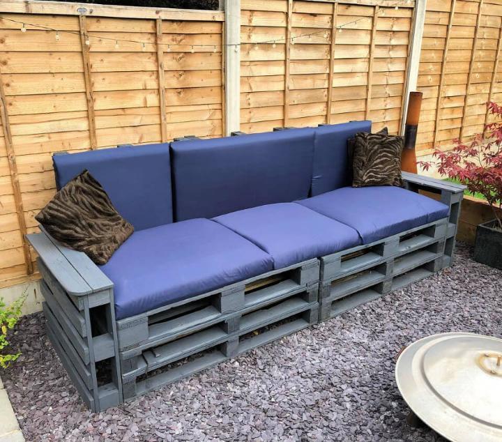 Fabulous Pallet Patio Sofa 1