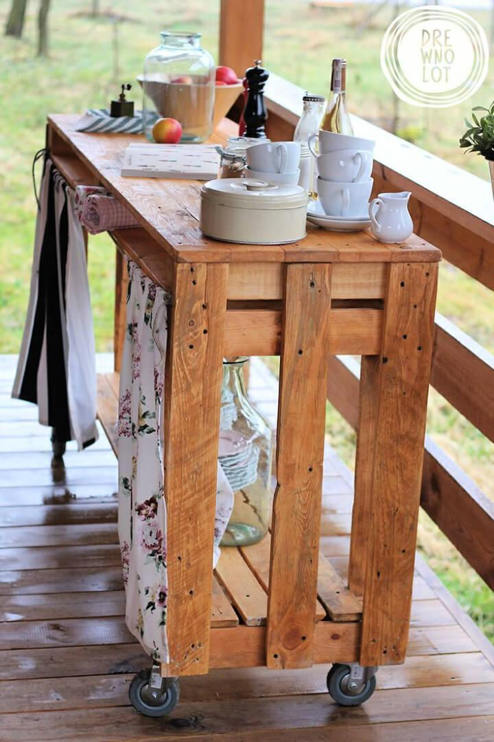 Outdoor Pallet Bar Cart