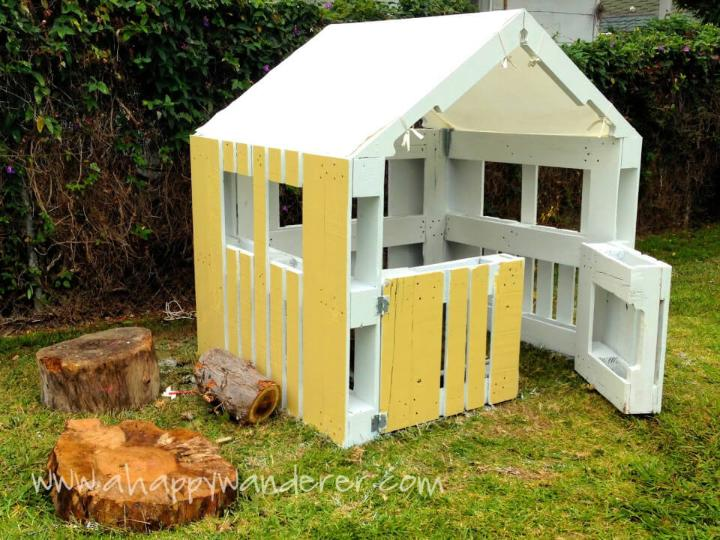 Playhouse for Kids Using Pallet