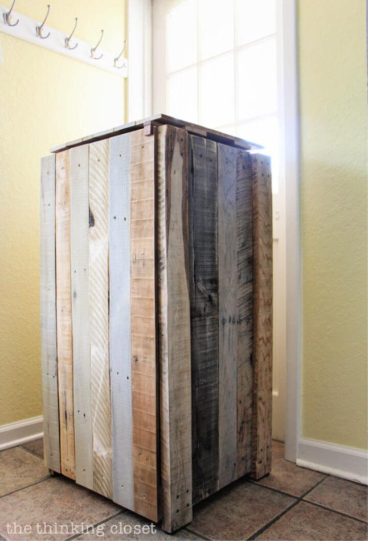 Recycling Pallets Into a Bin