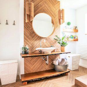 14 Inspiring Ways to Incorporate Wood Into a Bathroom