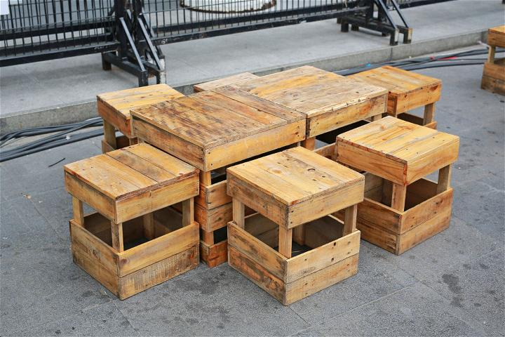 DIY Table Out Of Pallets