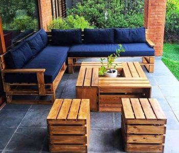 cozy furniture from pallets of the garden